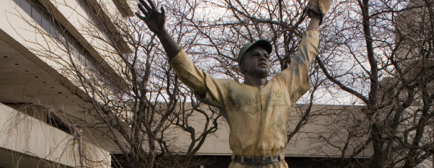 Jersey City, Journal Square, Jackie Robinson statue, 2007